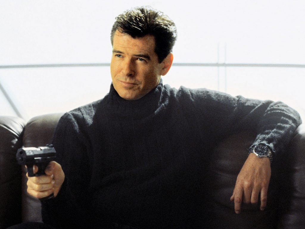 pierce-brosnan-as-james-bond-wearing-omega-seamaster